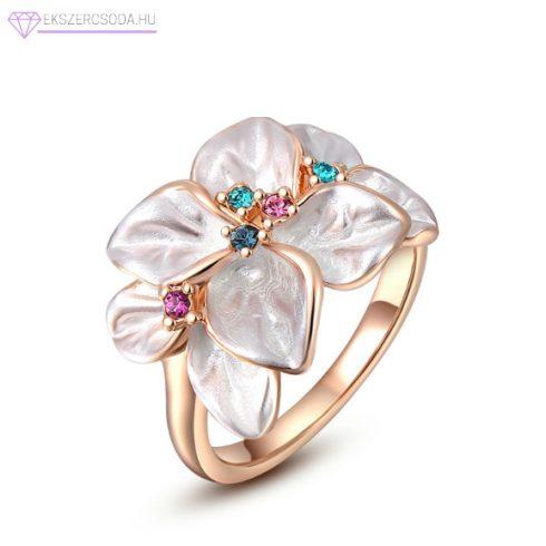 Fehér virág gyűrű